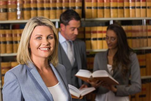 Asesoría legal contratos y derechos